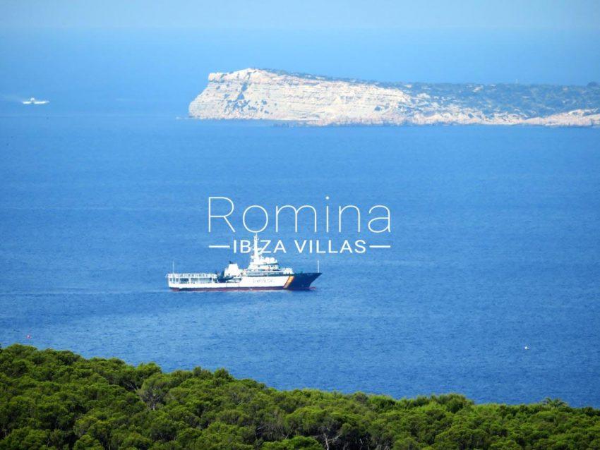 casa tina ibiza-1sea view police boat