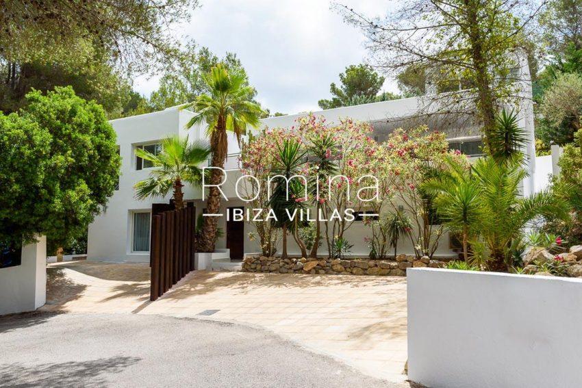 villa sa calma ibiza-2entrance facade