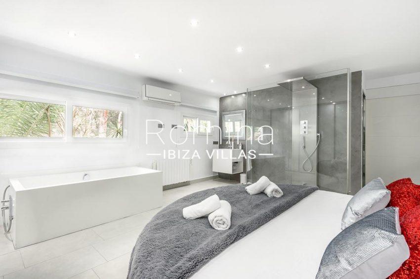 villa sa calma ibiza-4bedroom1 bathtub