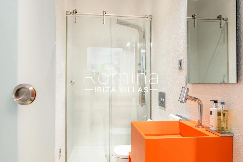villa sa calma ibiza-5shower room