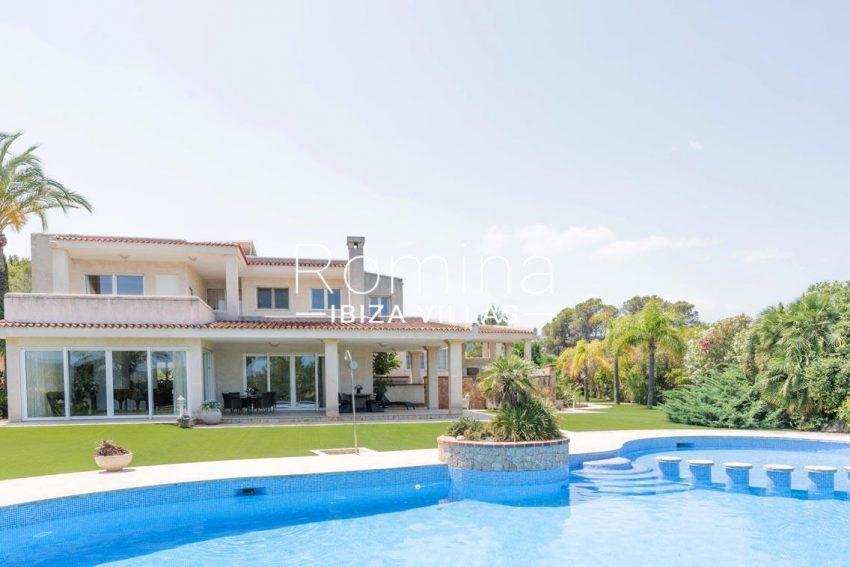 villa sommer ibiza-2pool facade porches