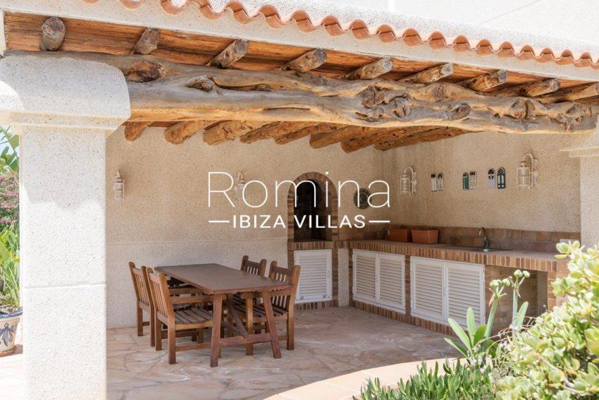 villa sommer ibiza-2porch outdoor kitchen dining area