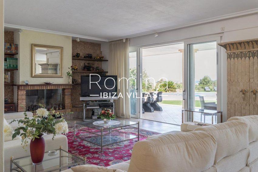 villa sommer ibiza-3living room fireplace2