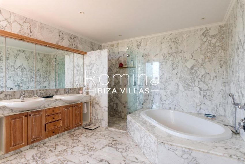 villa sommer ibiza-5bathroom1