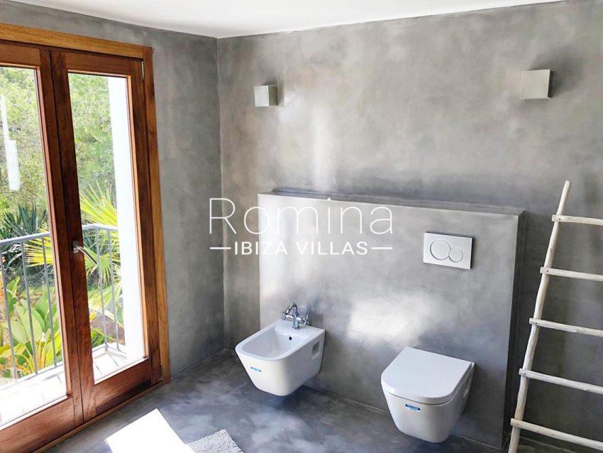can flora ibiza-5shower room2balcony