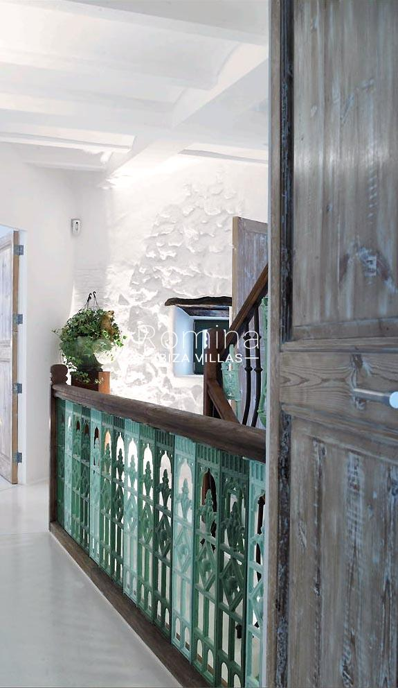 casa marina-3detail railing wooden door