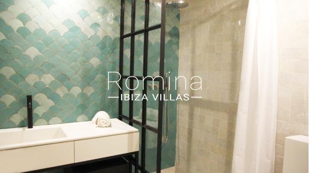 casa marina ibiza-5shower room