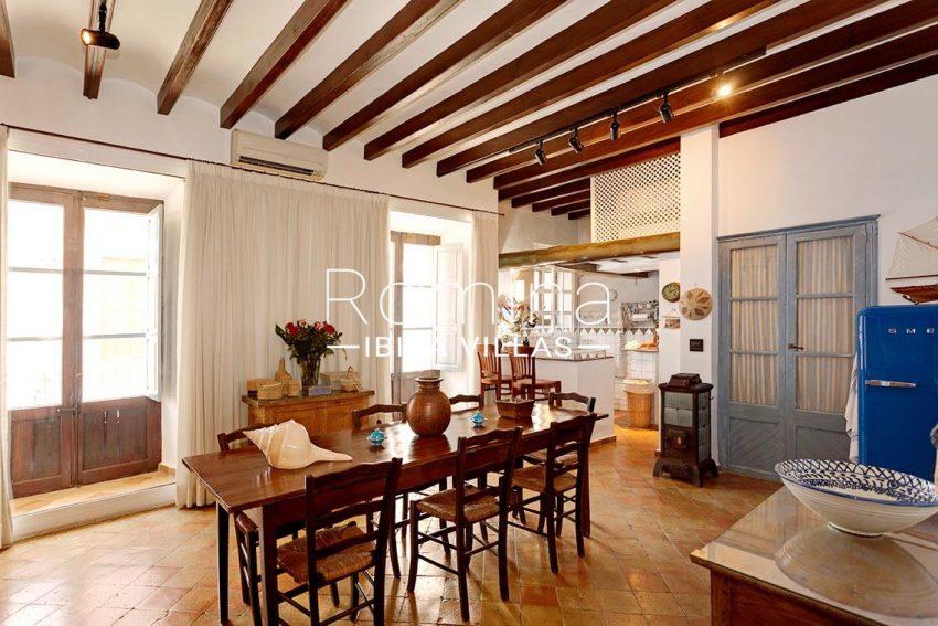 casa masha ibiza-3zdining room