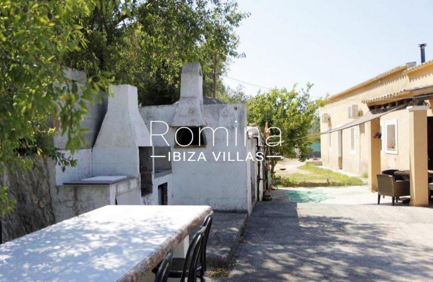 casa romero ibiza-2barbecue oven