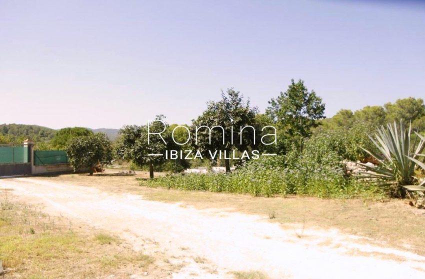 casa romero ibiza-2entrance gate