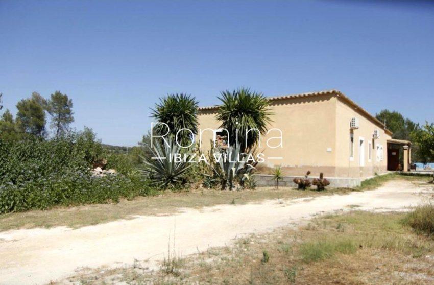 casa romero ibiza-2entrance house