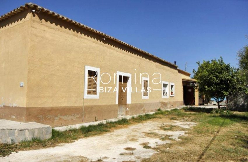 casa romero ibiza-2facade porch