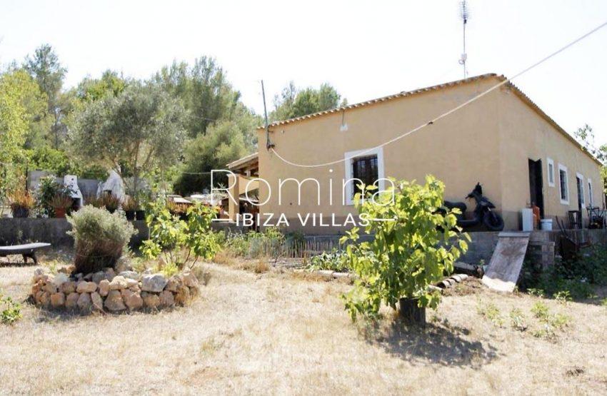 casa romero ibiza-garden side facade