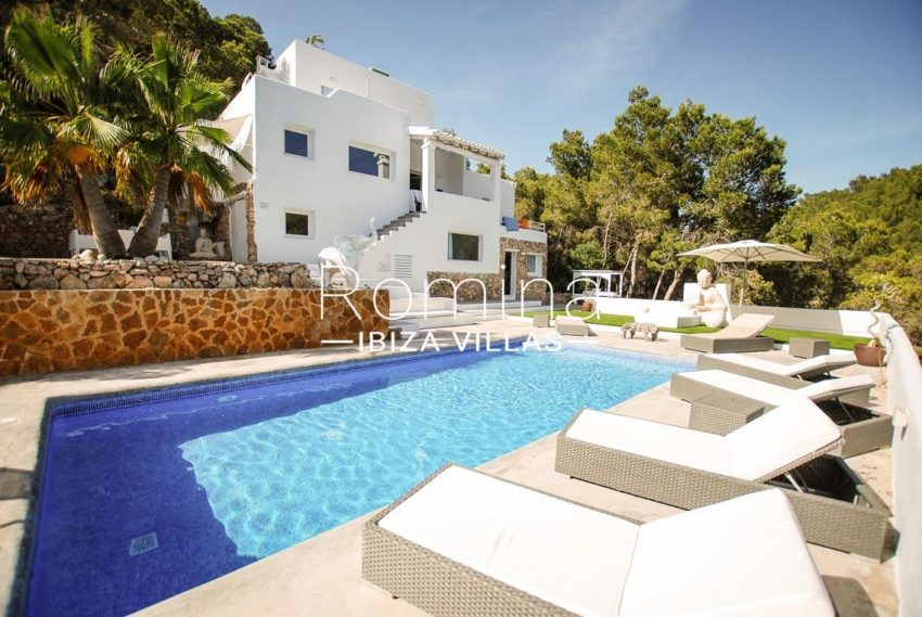 villa kumbo ibiza-2pool facade terraces