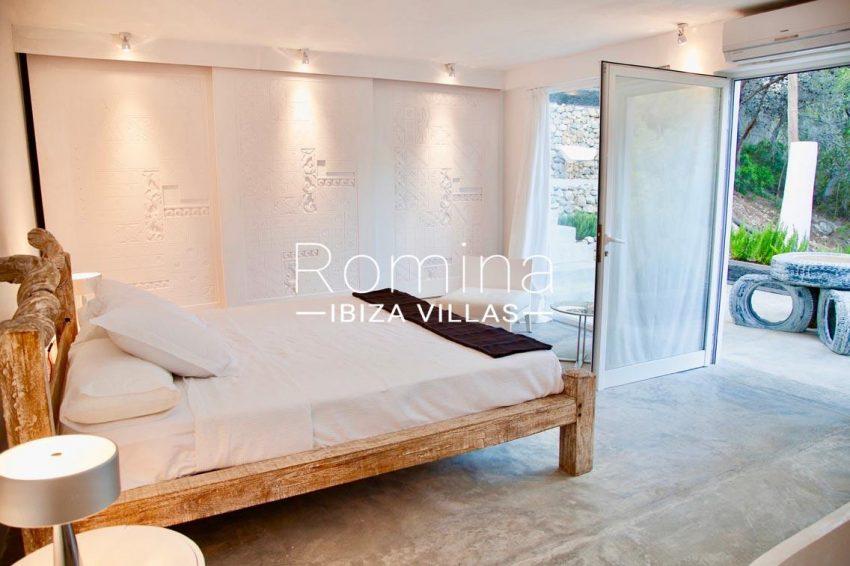 villa kumbo ibiza-4master bedroom