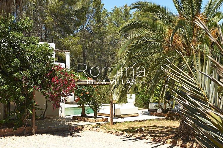 villa palmeras ibiza-2pool garden