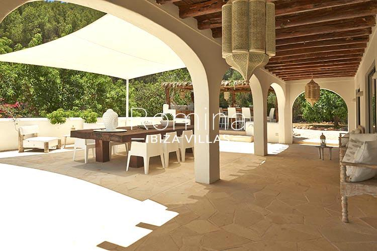 villa palmeras ibiza-2porch terrace dining area outdoor dining and kitchen