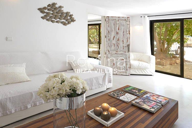 villa palmeras ibiza-3living room apt