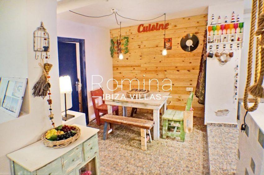 adosado ambra ibiza-3zdining area patio