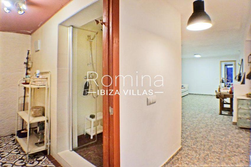adosado ambra ibiza-5shower room patio