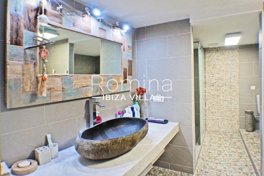 adosado ambra ibiza-5shower room patio2bis