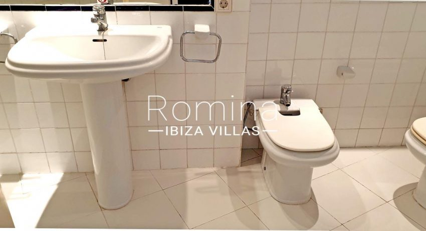 apto pam ibiza-5bathroom2