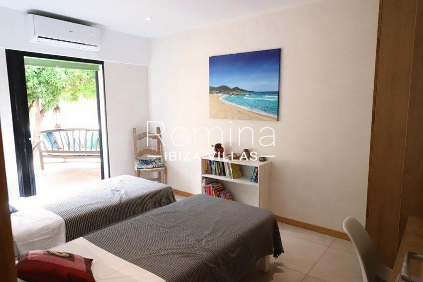 romina-ibiza-villas- rv-516-54-casa-lau-4bedroom twin2