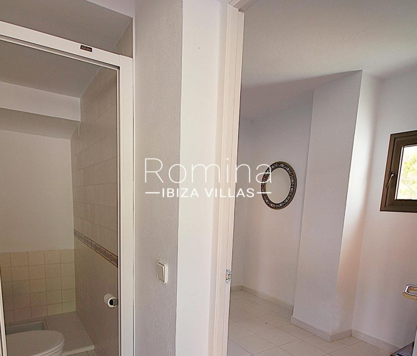 villa artemis ibiza-5shower room2