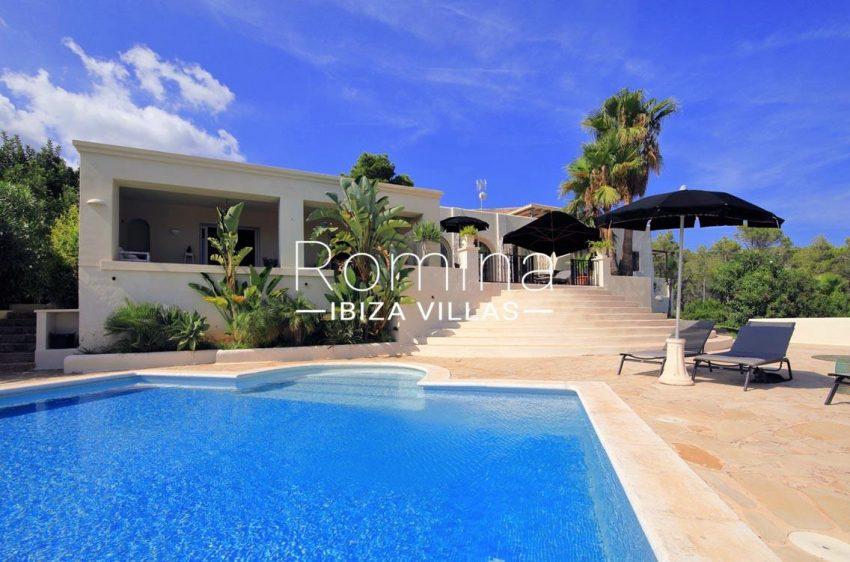 villa shanti ibiza-2pool facade2