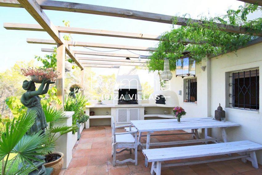villa shanti ibiza-2terrace pergola barbecue