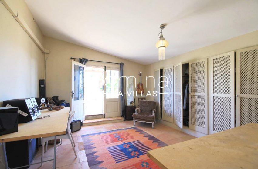 villa shanti ibiza-4bedroom desk