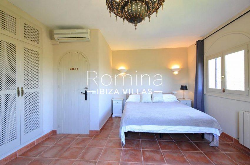 villa shanti ibiza-4bedroom wardrobes