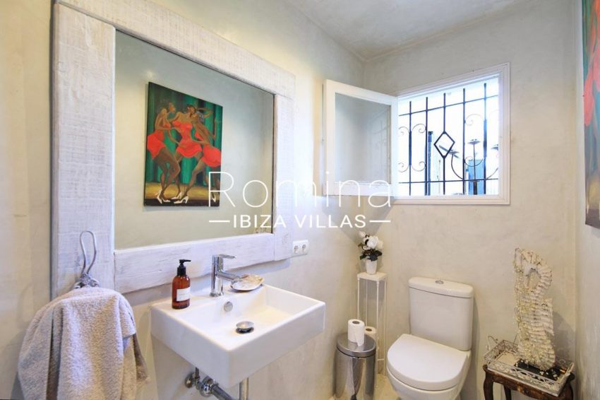 villa shanti ibiza-5toilet