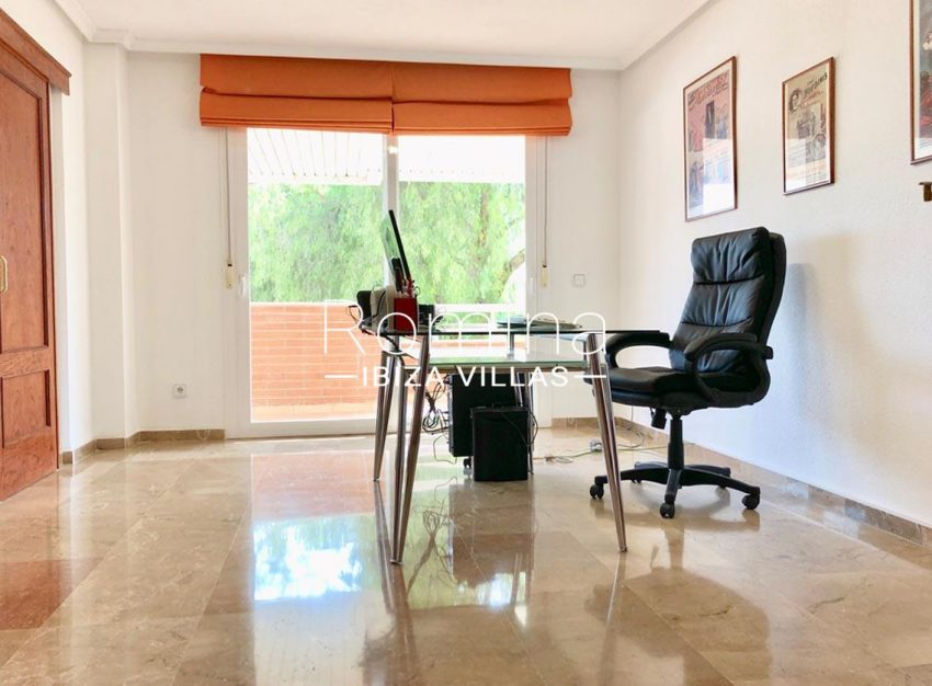 apto linn ibiza-4bedroom office2