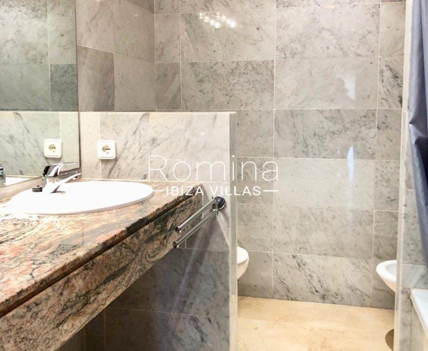 apto linn ibiza-5bathroom