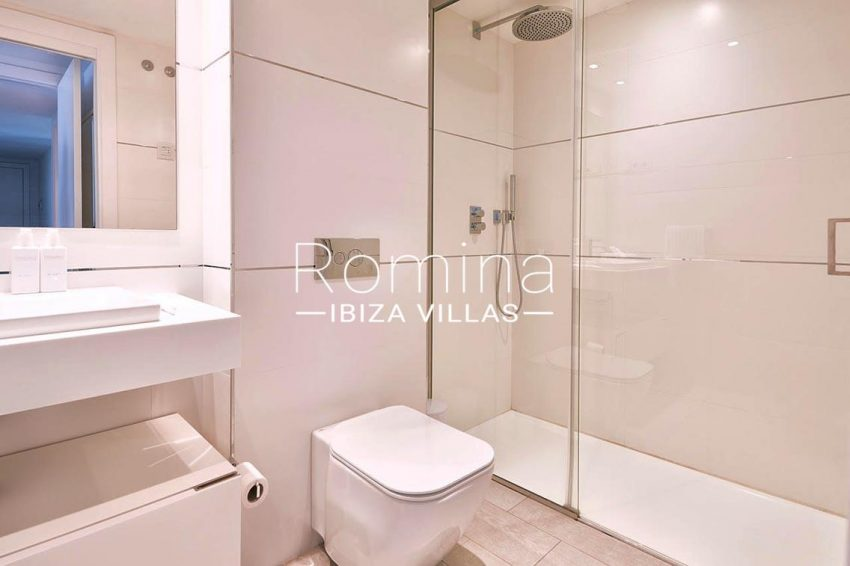 apto urbis ibiza-5shower room