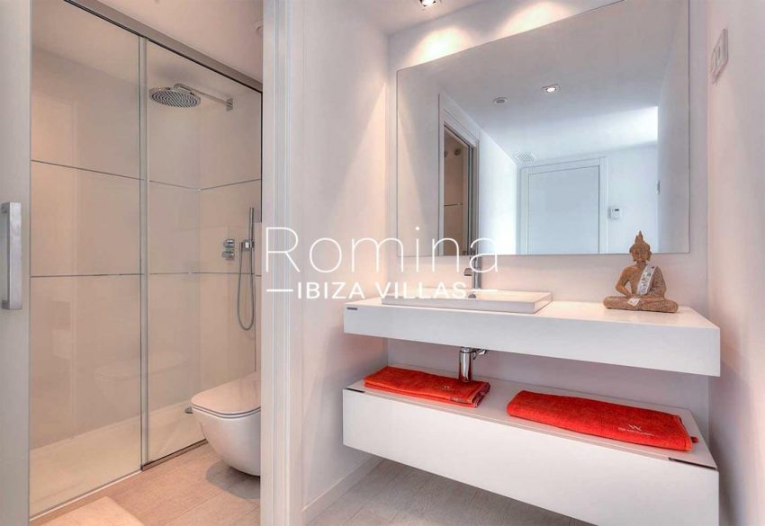 apto urbis ibiza-5shower room2