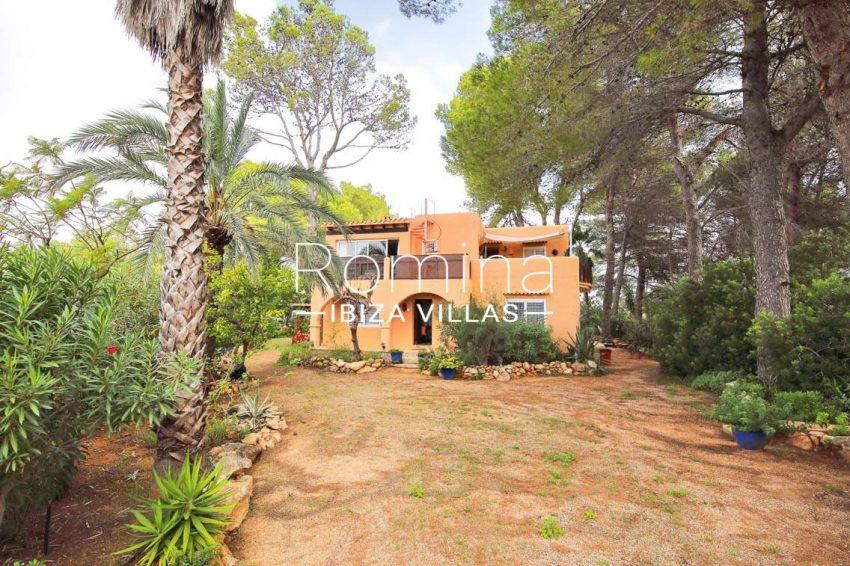 casa ciguena ibiza-2facade porch
