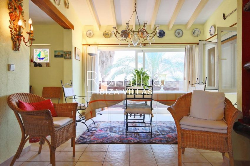 casa ciguena ibiza-3zdining room