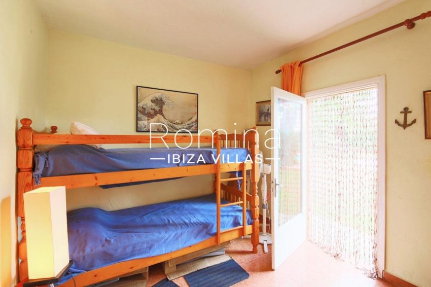 casa ciguena ibiza-4bedroom bunk beds