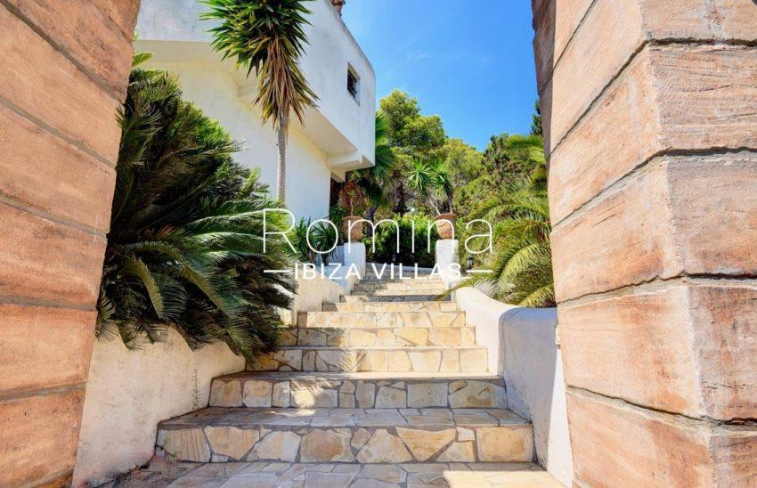 villa gio ibiza-2stairs garden