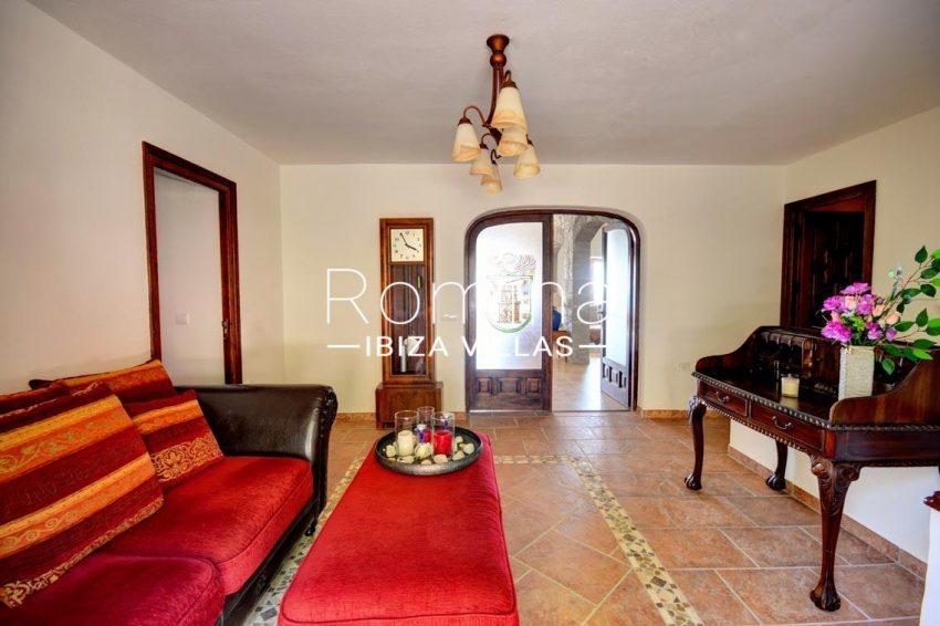 villa gio ibiza-3entrance sitting area
