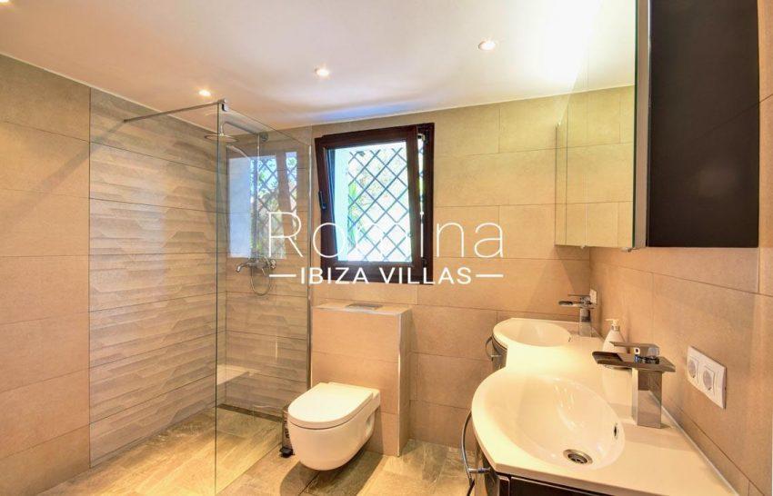villa gio ibiza-5shower room