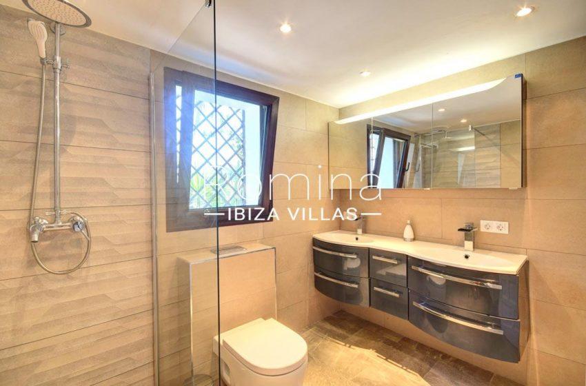 villa gio ibiza-5shower room2