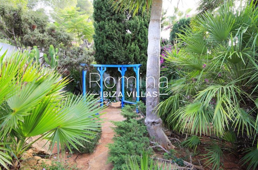 villa hibiscus ibiza-2garden2