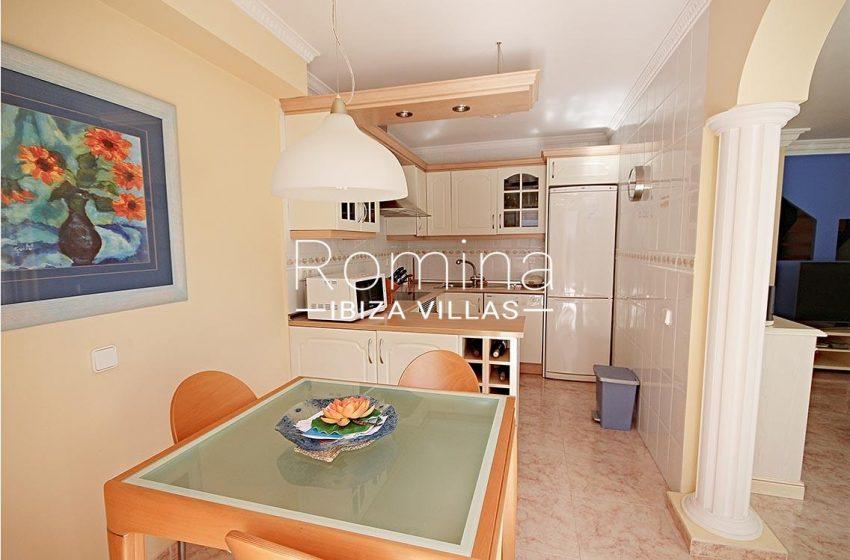 adosado villa ibiza-3zkitchen dining area