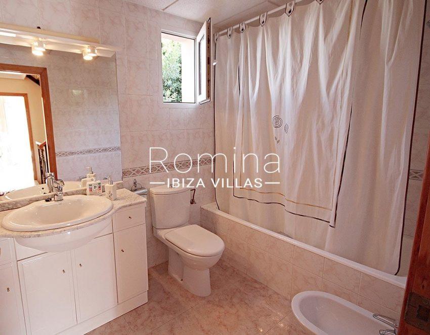 adosado villa ibiza-5bathroom