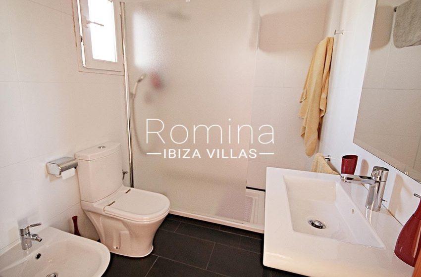 adosado villa ibiza-5shower room
