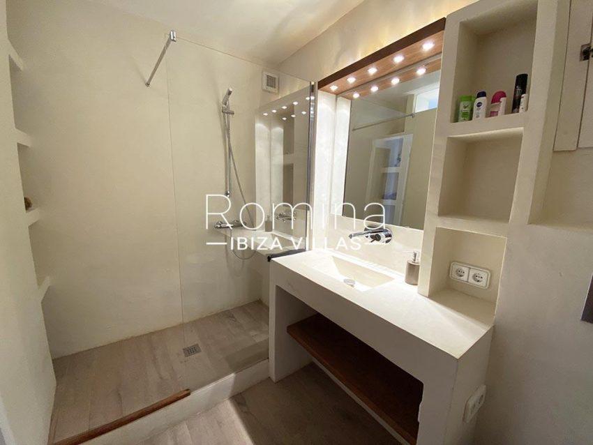 romina-ibiza-villas-rv-667-29-duplex-mary-5bathroom2