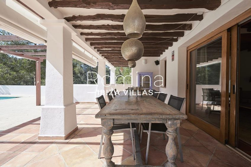can ikar ibiza-2porch dining area
